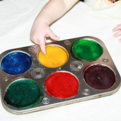 Follow the tutorial on how to do this edible sensory paints for your little ones!