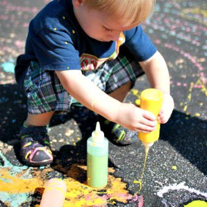 Homemade Sidewalk Chalk Paint tutorial for your little ones to enjoy this afternoon!