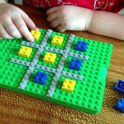 Lego-Tic-Tac-Toe-game