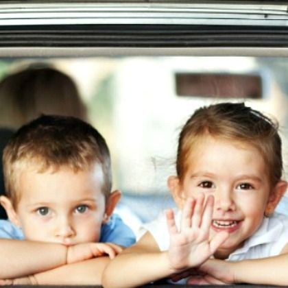 minivan-kids-road-trip-