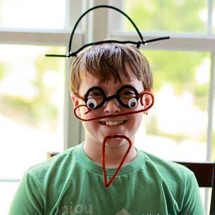 Pipe Cleaners Disguise for the head, glasses, smiling kid