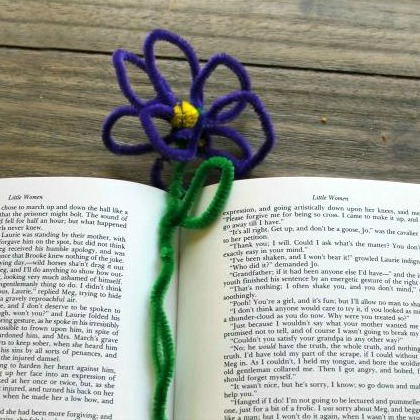 pipe cleaner bookmark