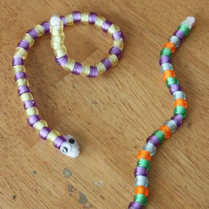 snake craft using diy pipe cleaners and beads