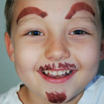 Create beautiful art as you do this prank to your kids who is a sound sleeper this April Fools!