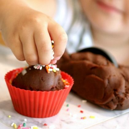 chocolate-ice-cream-play-dough-650
