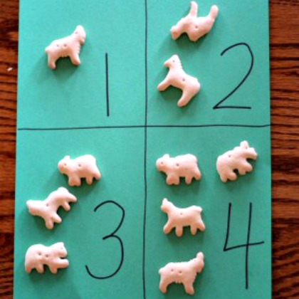 animal cracker counting activity