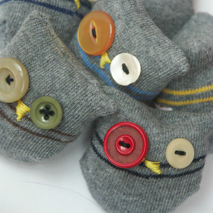 button sock puppets