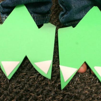 DIY Dinosaur Feet