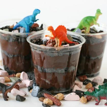 Dino Dirt Dessert!
