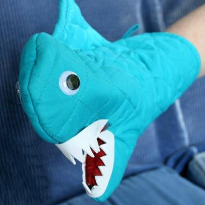 oven mitt shark
