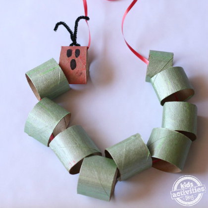paper towel roll necklace