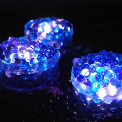 Water Beads in the Dark