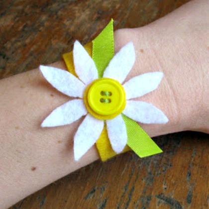 felt and button bracelet