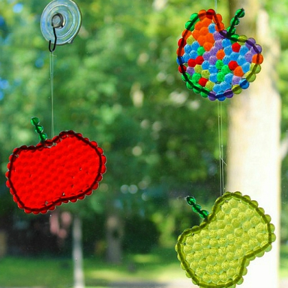 beaded apple suncatchers
