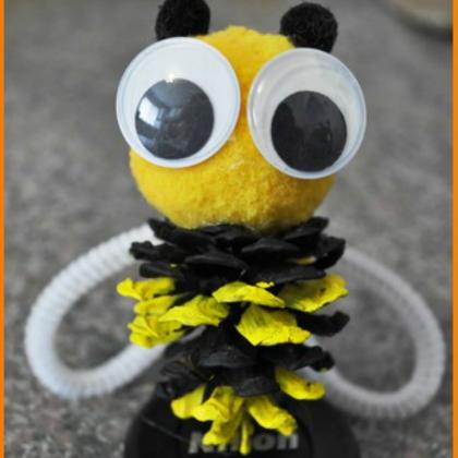 bee pinecone