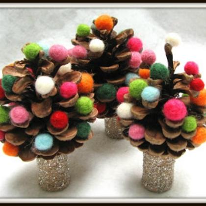 pom pom tree pinecones