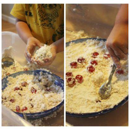 Apple Pie Making Sensory Bin (Little Bins for Little Hands)