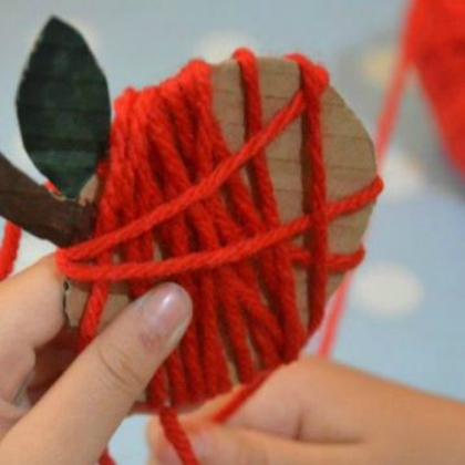 Yarn Apples (Red Ted Art)