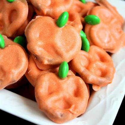 pretzel pumpkins