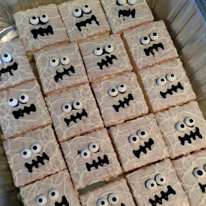 spooky snack cakes