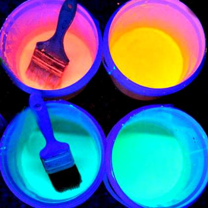 Amazing-Glowing-Chalk-Paint