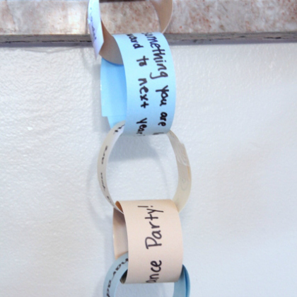 countdown paper chain