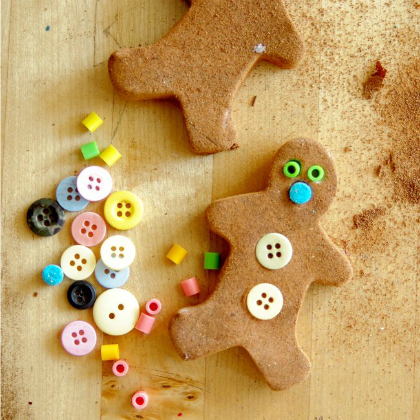 gingerbread men play dough