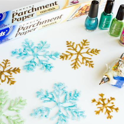 parchment paper glue gun flakes