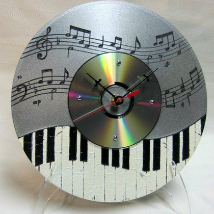 25 brilliant recycled cd kid crafts for Small clocks for crafts