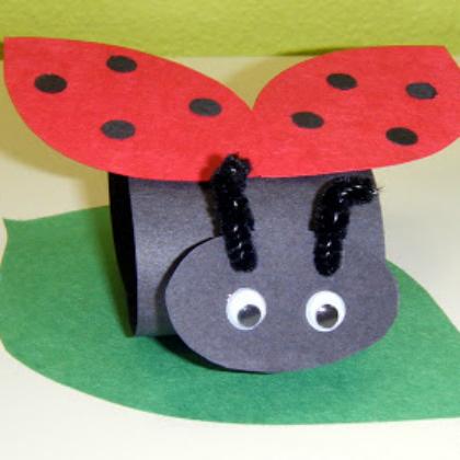 construction paper ladybug