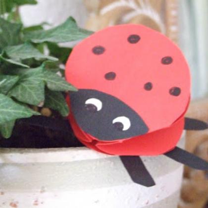 origami ladybug