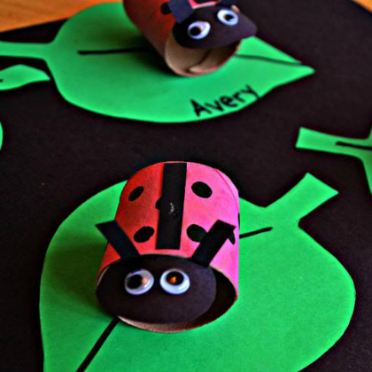 paper roll ladybugs