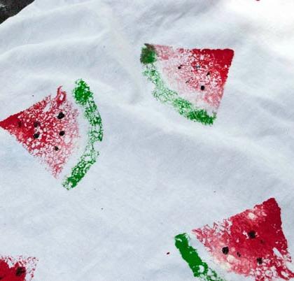 watermelon-prints-using-sponges