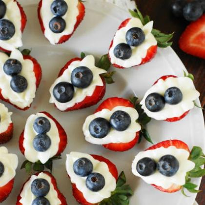 Strawberry-Cheesecake-Bites