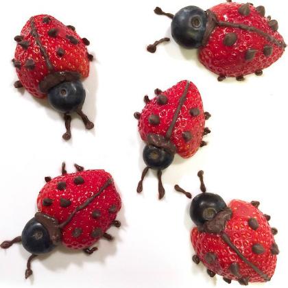 Strawberry-Chocolate-Fruit-Ladybugs-S