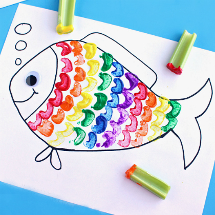 celery-stamping-rainbow-fish-craft-for-kids-1
