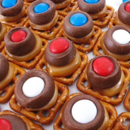 patriotic-caramel-pretzel-bites-main