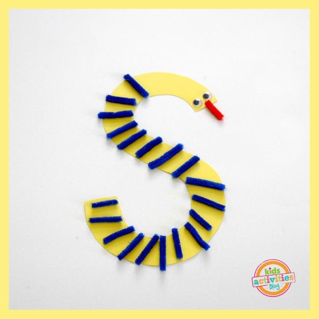 preschool snake craft - s is for snake from Kids Activities Blog